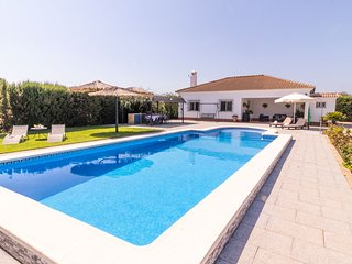 Modern country house in Seville Countryside, free wifi, private pool