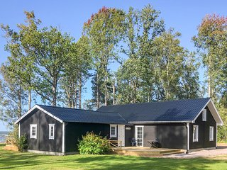 Nice home in Sjotorp w/ Sauna and 4 Bedrooms