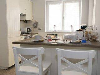 La petite maison de Luan - short lets apartment al Vomero