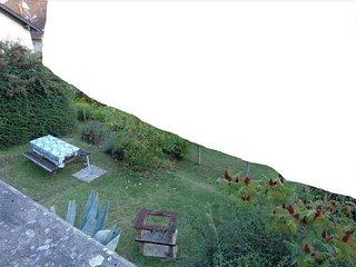 Nice house with garden & balcony