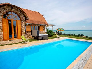 Amazing home in Badacsonytomaj w/ Outdoor swimming pool, Sauna and 3 Bedrooms