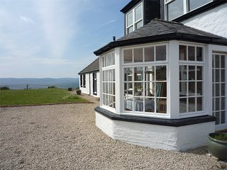 CA240 Cottage situated in Blackwaterfoot