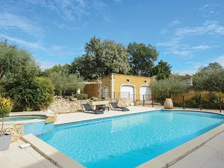 Stunning home in Montfrin w/ Outdoor swimming pool and 3 Bedrooms (FLG548)