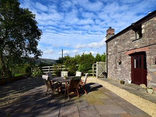 77298 Cottage situated in Abergavenny (1.5mls NE)