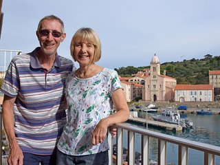 Meet the owners, Mike & Sue.