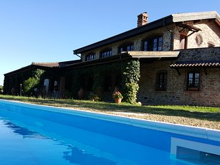 Villa in Monferrato with park and private pool, complete privacy