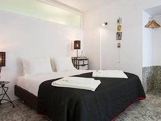 Monthly discount! Self isolation w/ all amenities, in Alfama