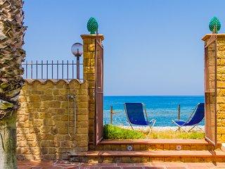 Villa Zaffiro, accommodation in costa Turchina