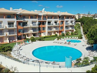 2bed Apartment El Sol Corcovada POOL WIFI AC Albufeira Center
