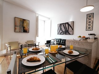 Monthly discount! Social distancing in 2-bae flat with view, in Alfama