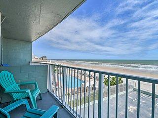 Updated Daytona Beach Oceanfront Studio w/Pool!