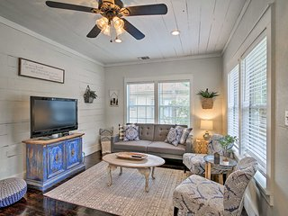 Renovated Family Cottage 1Mi to Main St Shops