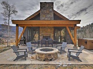 Hot Tub & Mtn Views at Modern Silverthorne Retreat