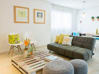 Apartamento GRANDE Mendoza centro, muy comodo y cerca de todo!
