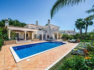 Almancil Villa Sleeps 10 with Pool Air Con and WiFi - 5817081
