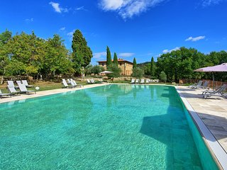 Gallena Apartment Sleeps 4 with Pool and WiFi - 5816988