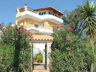 Amazing home in Nea Makri w/ 4 Bedrooms (GAT195)