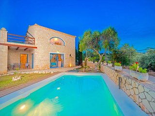 2 bedroom Villa with Air Con, WiFi and Walk to Beach & Shops - 5817116