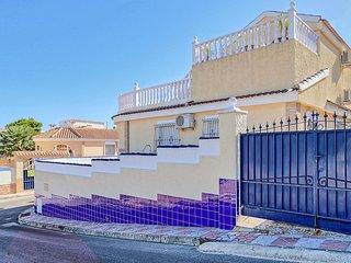 Nice home in Santa Pola w/ Jacuzzi, WiFi and Outdoor swimming pool (EBI237)