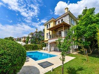 Villa Perdikia - 4 bedroom Holiday Villa for Rent in Ölüdeniz