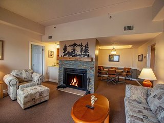 2 Bedroom Condo Sitting at the Summit of Sugar Mountain.