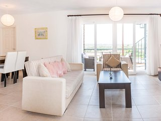 Viola Penthouse & Jacuzzi 3 Bedroom Penthouse