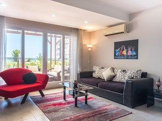 Aramis Apartment with Sea View