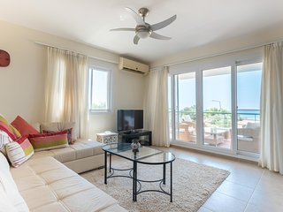 D'Artagnan Apartment with Sea View