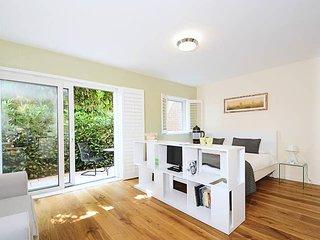 Righton one-bedroom studio serviced apartment in jericho (oxyvgc)