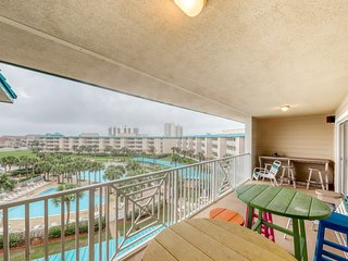 Beautiful coastal condo w/ Gulf views, shared pool, hot tub and beach access