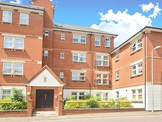 Righton two-bedroom serviced apartment in city centre (oxrtrr)
