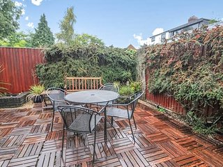 Righton two-bedroom serviced house in summertown (oxmstos)