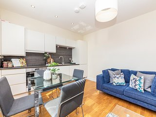 Modern Two Bedroom Apartment in Hammersmith - Flat 207A (Second Floor)