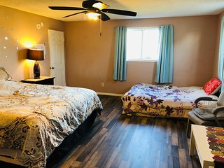 Huge B2 Master Suite with 3 Beds and Private Bathroom