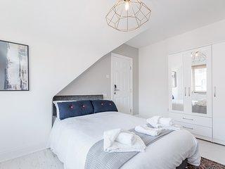 Westland House - Twin Room Ensuite 2