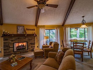 Nicely decorated and furnished 3 bedroom condo on Sugar Mountain