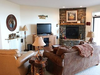 Beautiful Condo with a Breathtaking view of the Blue Ridge Mountains