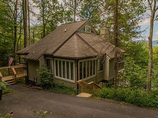 Recently updated and newly furnished slope view home