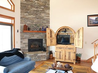 Level Entry Condo with a Breathtaking view of the Blue Ridge Mountains