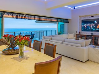 Luxury Apartment right on the beach