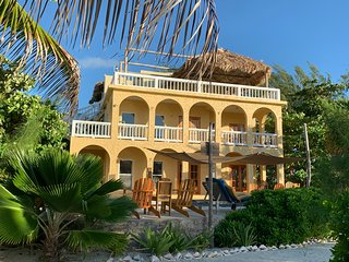 Villa Incommunicada Luxury Caribbean Waterfront Villa w/ Pool, Dock & Concierge