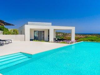 Luxury villa Siri