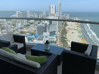 3 bedroom apartment with sea view for up to 9 people
