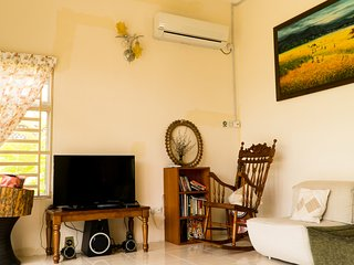Peaceful Homestay Batu Kawan, Near IKEA, Stadium, Design Village
