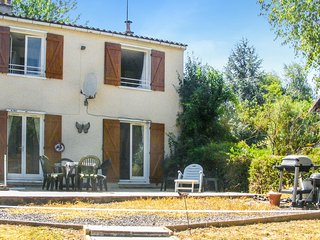 Awesome home in La Trimouille w/ 3 Bedrooms and Outdoor swimming pool (FJV033)