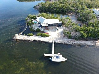 the private & secluded PENINSULARHOUSE/MANGROVE/TREEHOUSE off Grassy Key harbor.