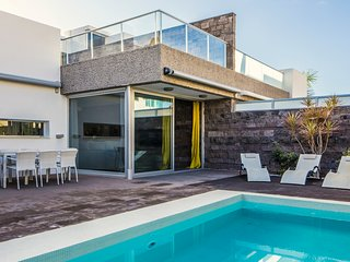 7 Bedroom, 4 bath villa in Habitats Del Duque, private pool. Heated included!
