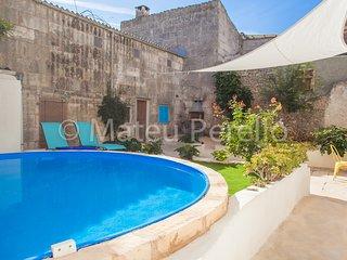 Sa Lluna Blava, Townhouse with patio and pool