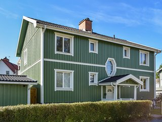 Stunning apartment in Finspång w/ Outdoor swimming pool, WiFi and 2 Bedrooms (S