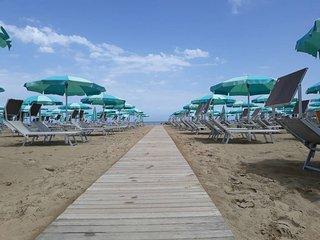 Attico con terrazza vista mare sulla spiaggia x 3